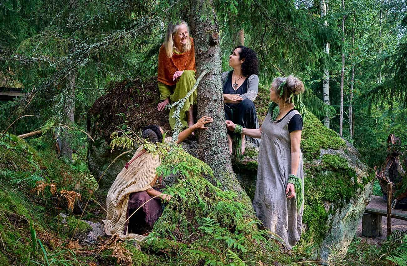 puun-ymparilla-vuodenkierto-1300