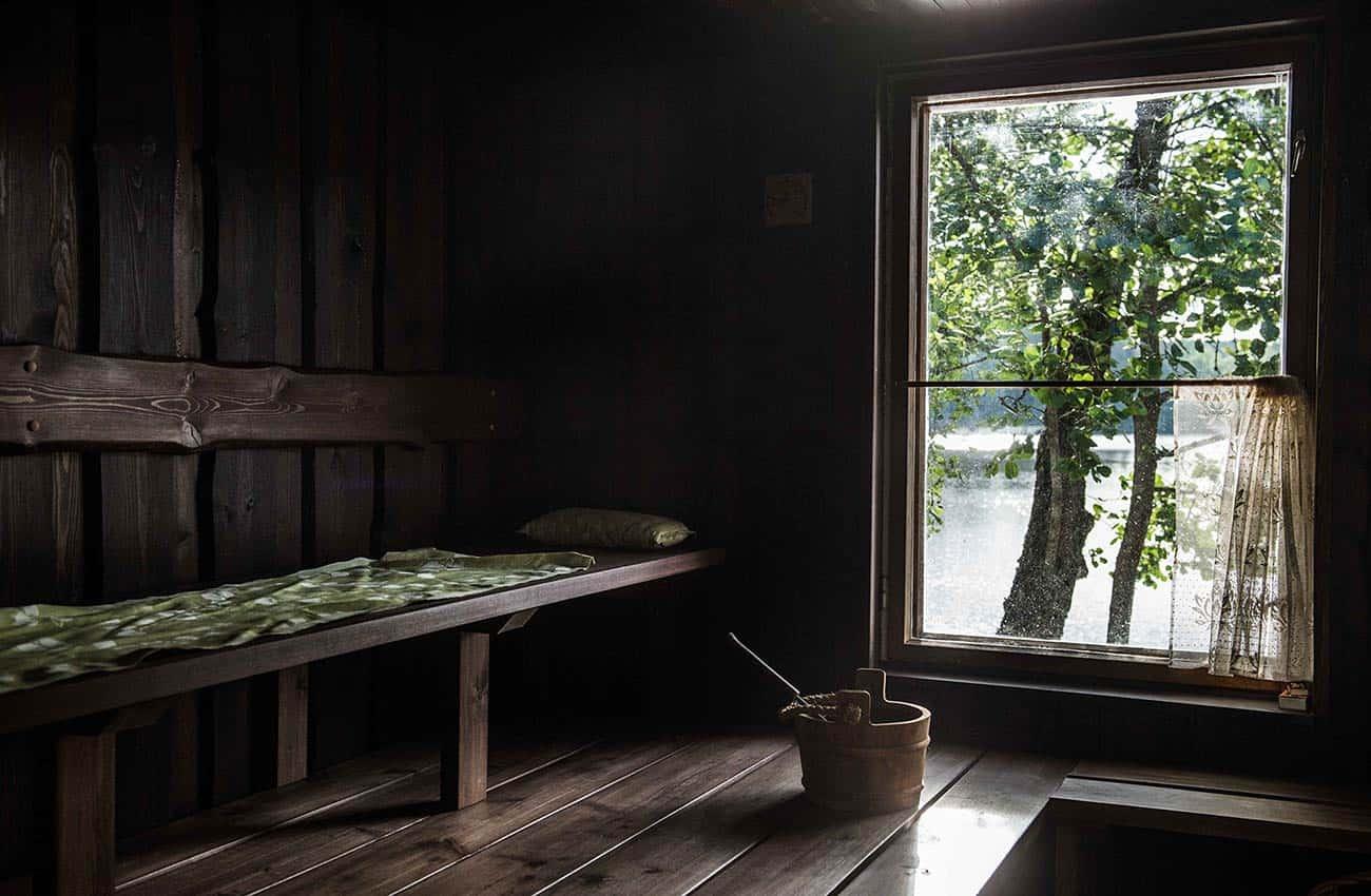 sauna-villa-paratiisi-kesamaisema-nuuksion-taika-1300